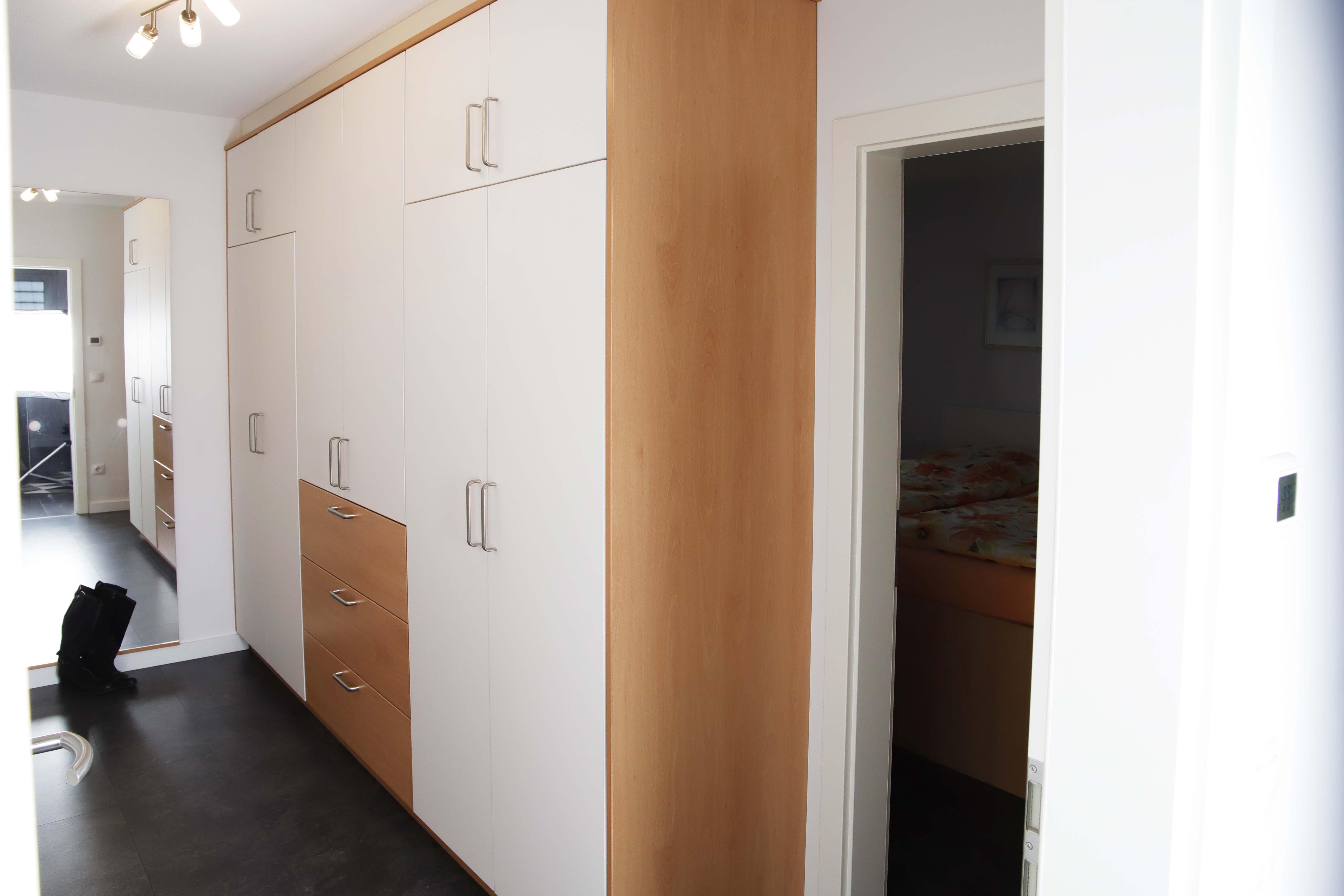 Schlafzimmer mit Ankleidezimmer - Kortboyer - Küchen und ...